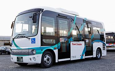 【制作実績】松本周遊バス「タウンスニーカー」のラッピングデザイン